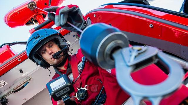 Rettungsänitäter und Windenoperateur: Marco Lei