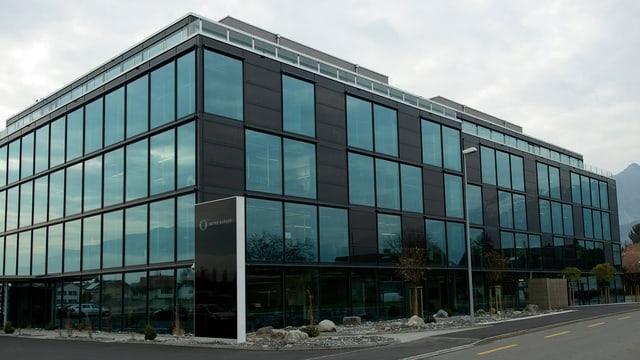 Blick auf das Gebäude der Meyer Burger in Thun.