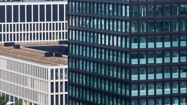 Schweizer Gebäude-Fassaden