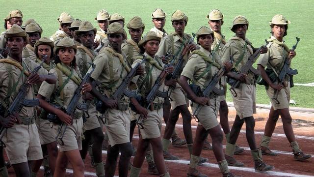 Eritreische Soldaten während einer Unabhängigkeitsparade