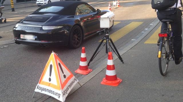 Auto und Messanlage