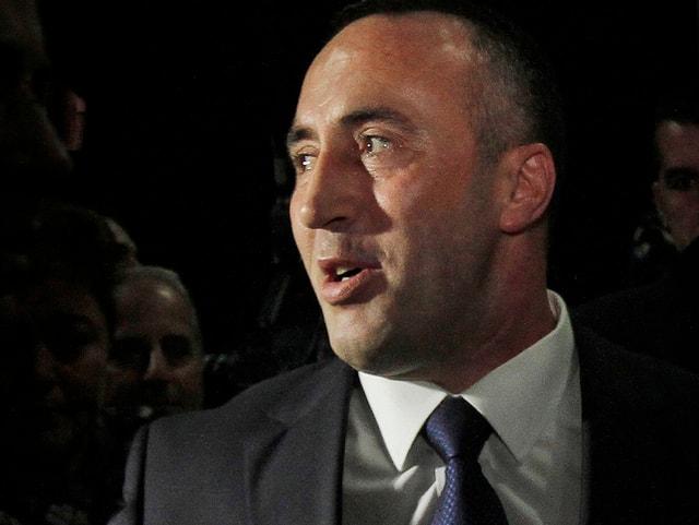 Ramush Haradinaj im Seitwärts-Profil