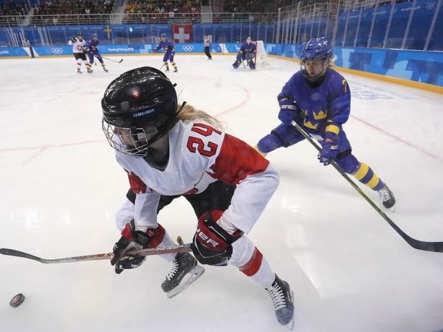 Die Schweiz wird auch in Calgary wieder auf Schweden treffen (Archiv).