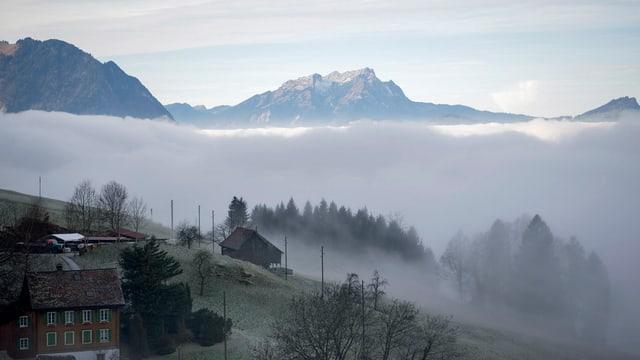 Nebelmeer mit Pilatus im Hintergrund
