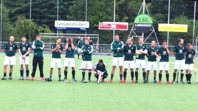 Das Luzerner Landhockeyteam nach der Finalniederlage