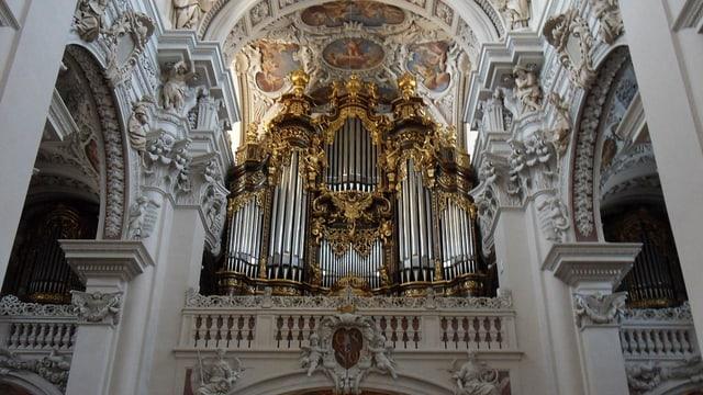 Video «Römisch-katholischer Gottesdienst aus Passau» abspielen