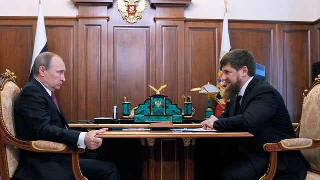 Aufwartung bei Wladimir Putin im Kreml am 25. März 2016: Tschetscheniens Präsident Ramsan Kadyrow.