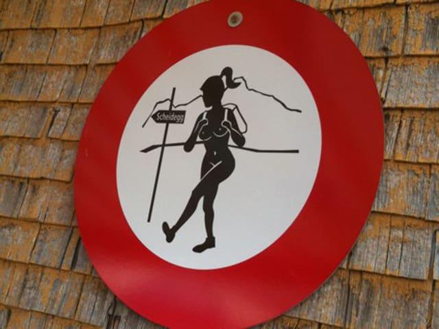 Nacktwandern verboten im Appenzell.