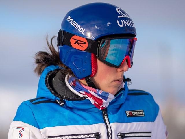 Petra Vlhova blickt in die Ferne.