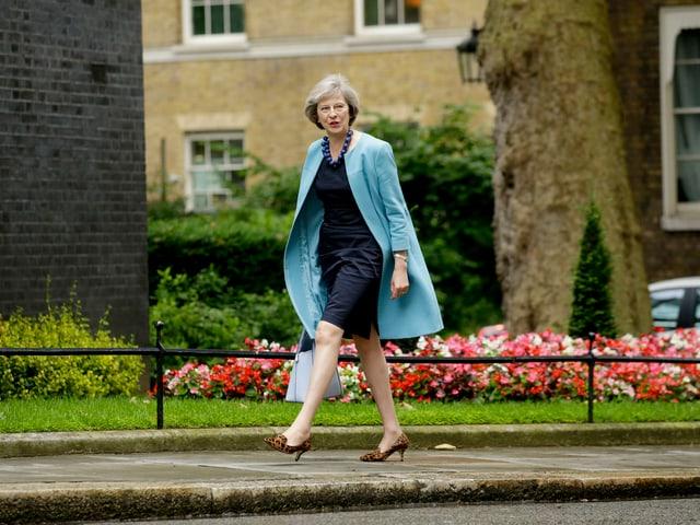 Theresa May auf dem Weg zu einer Kabinettssitzung in der Downing Street 10.