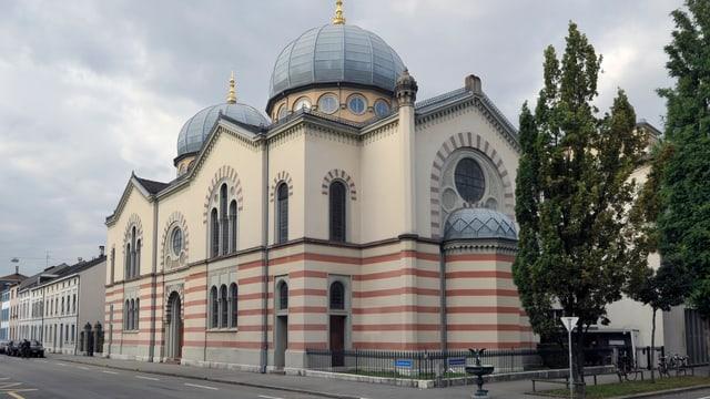 Blick auf die Synagoge in Basel