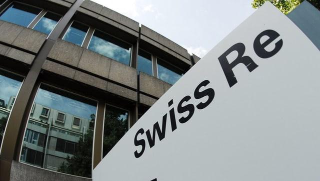 Fassade des Hauptsitzes von Swiss Re in Zürich