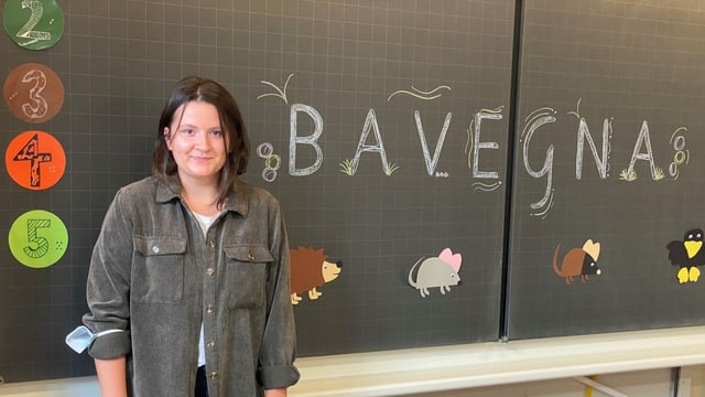 Laura Bonifazi, la scolasta da l'emprima classa cun 21 scolaras e scolars