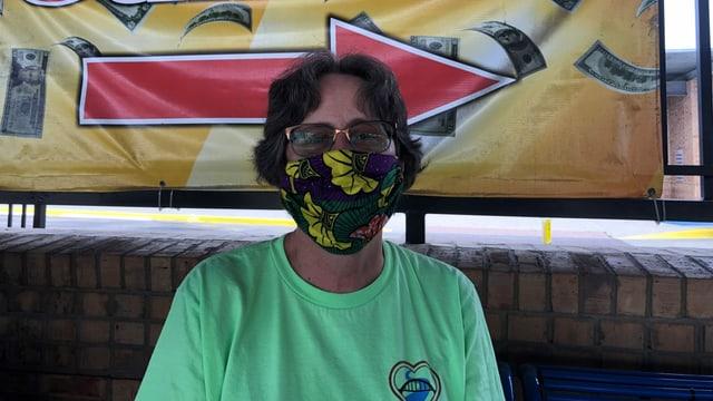Andrea Rudnik, Leiterin des «Teams Brownsville», mit Mund-Nasenschutz