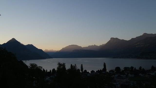 Morgenstimmung bei Ennetbürgen mit Blick auf den Vierwaldstättersee