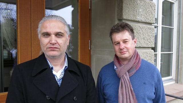 Akgül und Claude S. nebeneinander