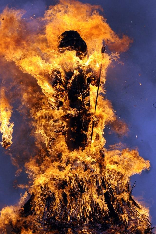 Höhepunkt des Zürcher Sechseläutens. Der brennende Böögg!