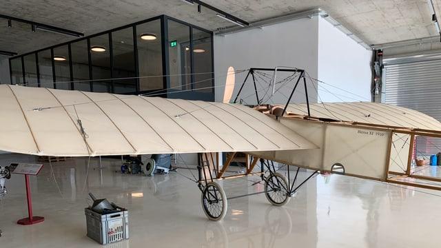 Eine hisstorische Flugmaschine aus dem Jahre 1910 - eine Blériot - wird auch ausgestellt im neuen Museum.