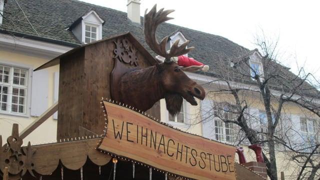Elchkopf auf einem Weihnachtsmarktstand