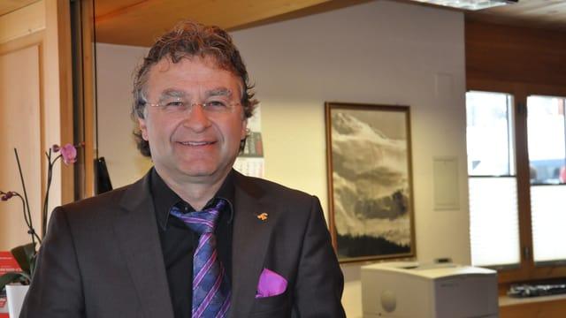 Purtret dal president da hotelleriesuisse dal Grischun, Ernst Wyrsch.