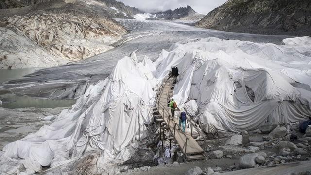 Wanderer auf dem Rhonegletscher.