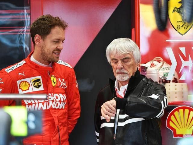 Bernie Ecclestone (r.) hier im Gespräch mit Sebastian Vettel.
