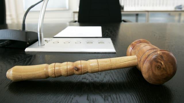 Ein Klagehammer.