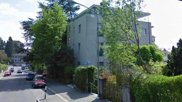 Ein Mehrfamilienhaus an der Sonnenbergstrasse - hier leben seit dieser Woche 80 Flüchtlinge.