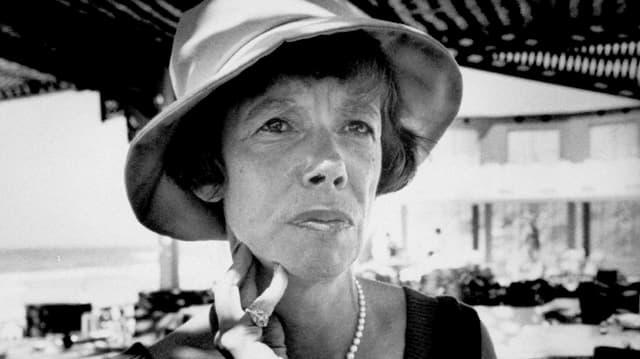 Schwarzweiss Porträt von Jane Bowles.