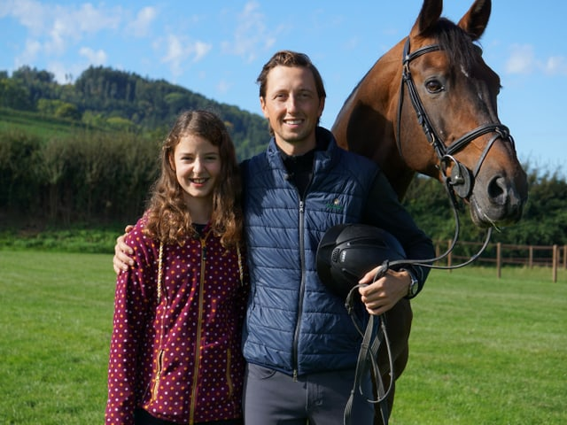 Luna, Martin Fuchs und ein Pferd.