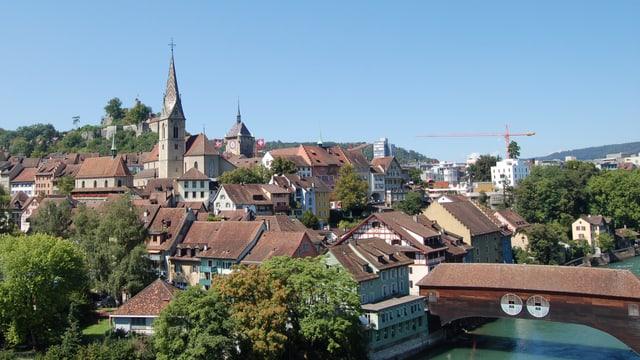 Stadt Baden mit der Holzbrücke