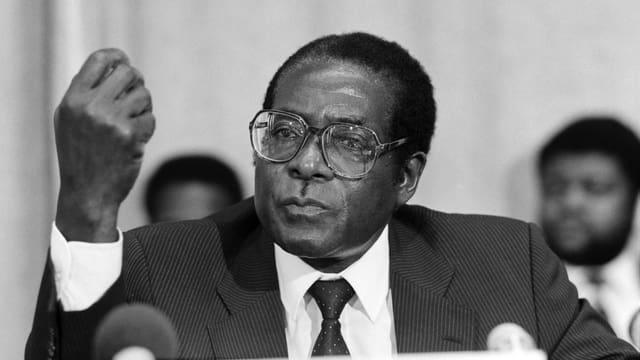 Purtret da Robert Mugabe.