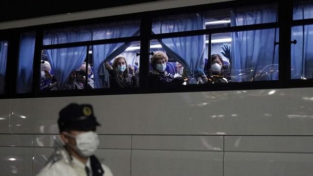 Amerikanische Passagiere im Bus