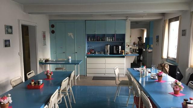So sieht es heute in der Küche des Divine Light Zentrums in Winterthur aus. Die göttliche Farbe Blau ist omnipräsent.
