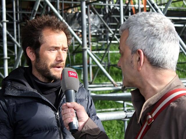 Fredy Gasser interviewt Joris Gratwohl.