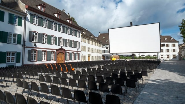 Eine offene Piazza: Seit vergangenem Jahr hat das Open-Air-Kino ein verändertes Konzept.