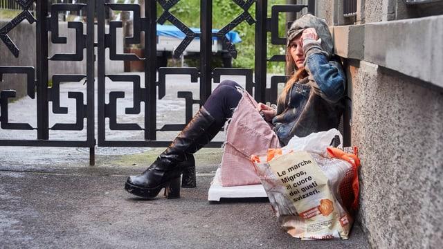 Bild einer obdachlosen Frau