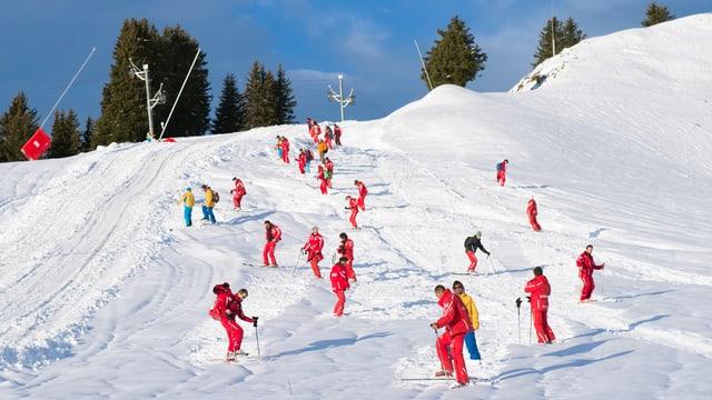 Magisters da skis en acziun.