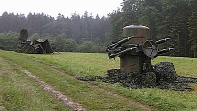 Boden-Luft-Raketenstellung am Boden.