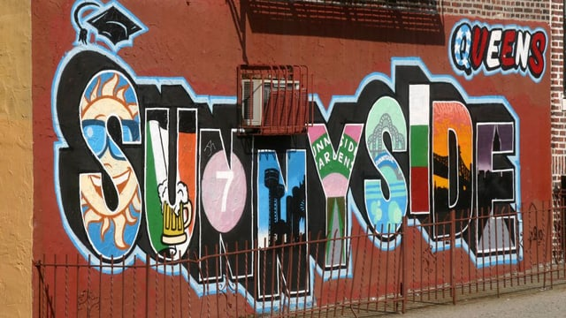Wandbild an einem Gebäude in Sunnyside, New York.