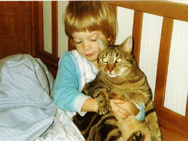 Tina mit Katze.