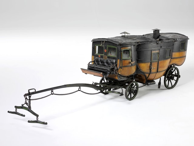 Modell einer Kutsche.
