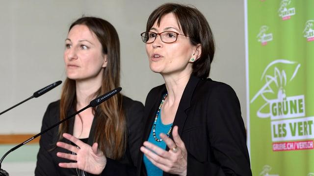 Las co-presidentas dals Verds, Adèle Thorens (san.) e  Regula Rytz