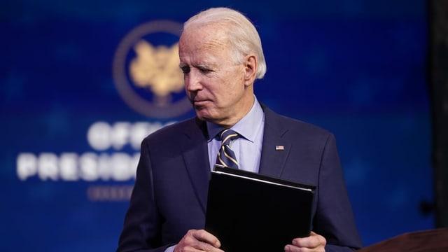 purtret da joe Biden en la cha'ava