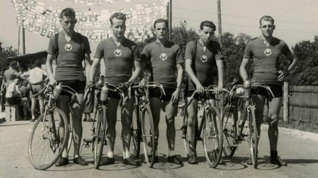 Die Renngruppe des Veloclubs Rothenburg im Jahre 1949