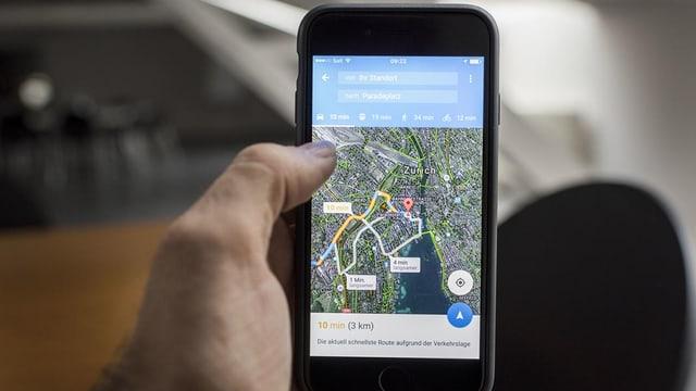 Google Maps auf einem Smartphone-Bildschirm