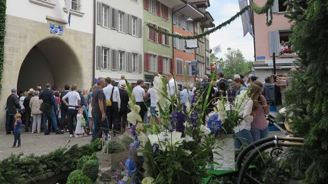 Vilele Leute in Altstadt.