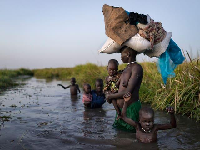Badeszene im Südsudan.