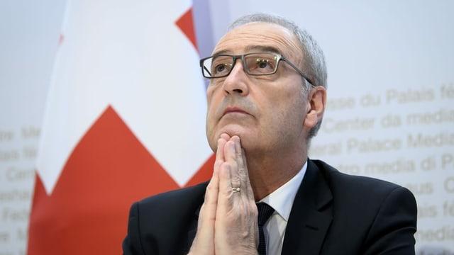 Bundespräsident Guy Parmelin vor den Medien in Bern
