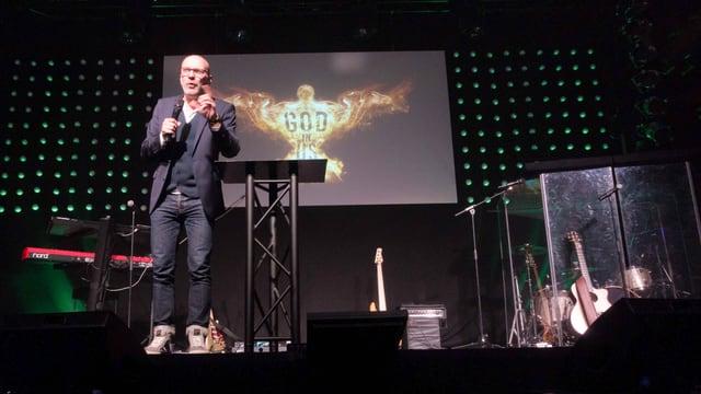 ICF-Pastor Ralf Dörpfeld auf der Bühne
